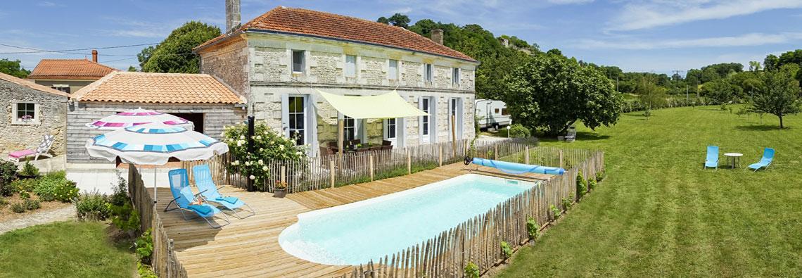 Vue_Demeure_Alienor_Maison_Charentaise_piscine